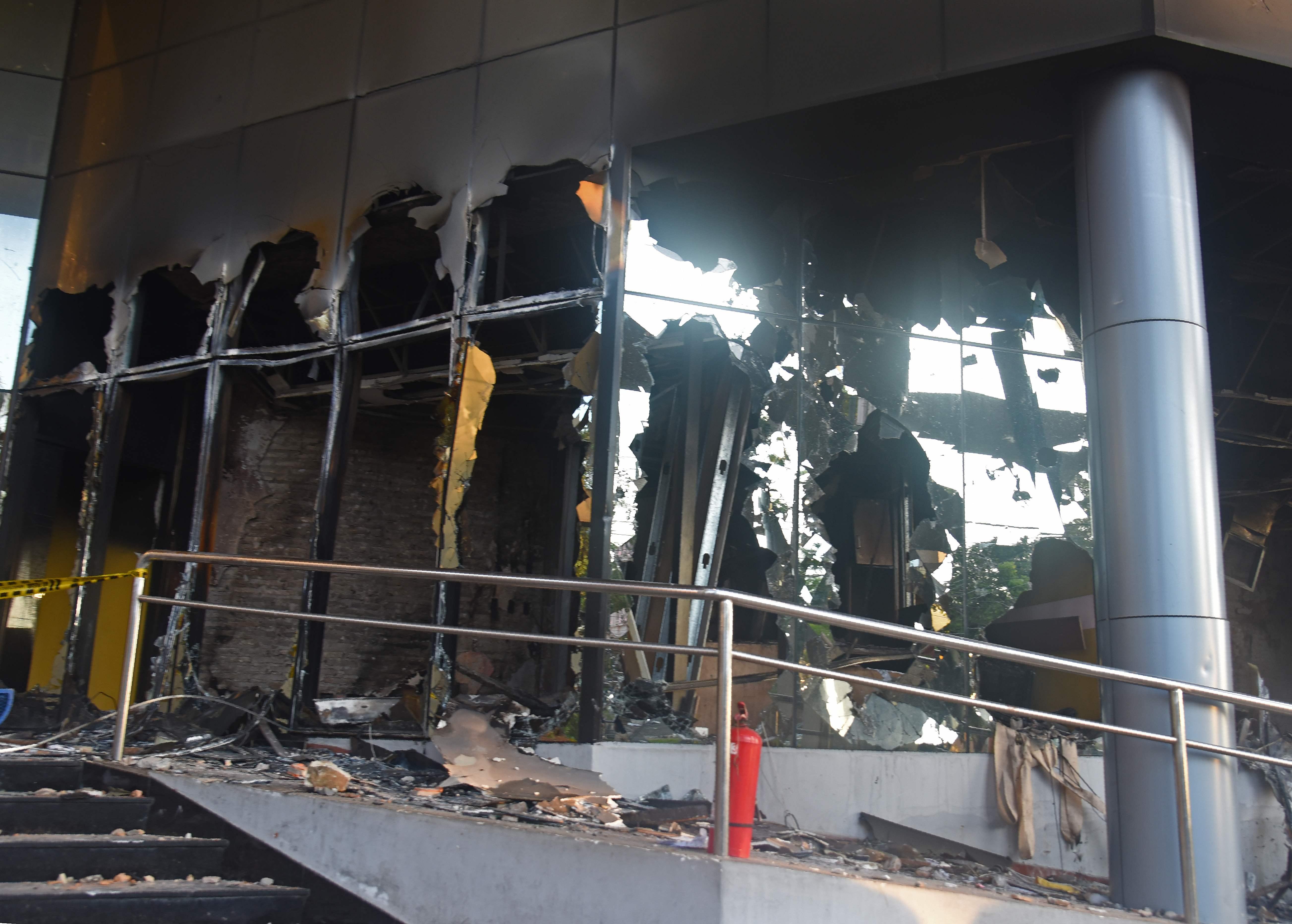 خسائر مادية بعد اندلاع مظاهرات باراجواى