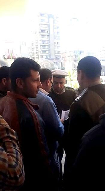 أهالى أنشاص بالشرقية يتهمون موظفى التموين بالنصب (4)