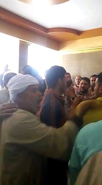 أهالى أنشاص بالشرقية يتهمون موظفى التموين بالنصب (6)