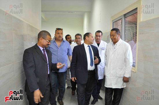 لجنة الصحة بمجلس النواب تنهي زيارتها للأقصر بتفقد مستشفيات إسنا وأرمنت