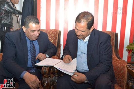 محافظ الغربية والمحاسب جمال نصار وكيل وزارة التضامن