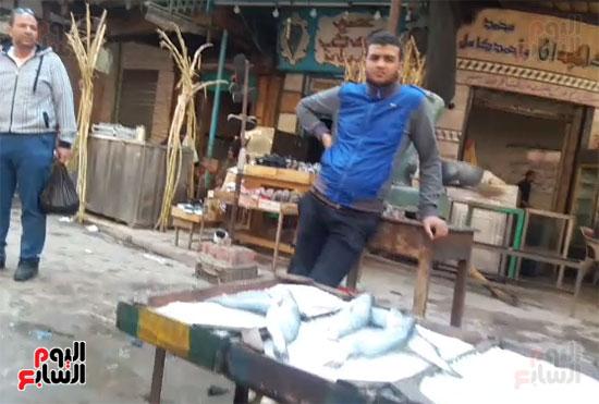 ارتفاع أسعار السمك والباعة يمتنعون عن وضع التسعيرة