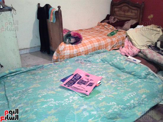 سرير-وفرشة-كل-ما-تملكه-الاسره