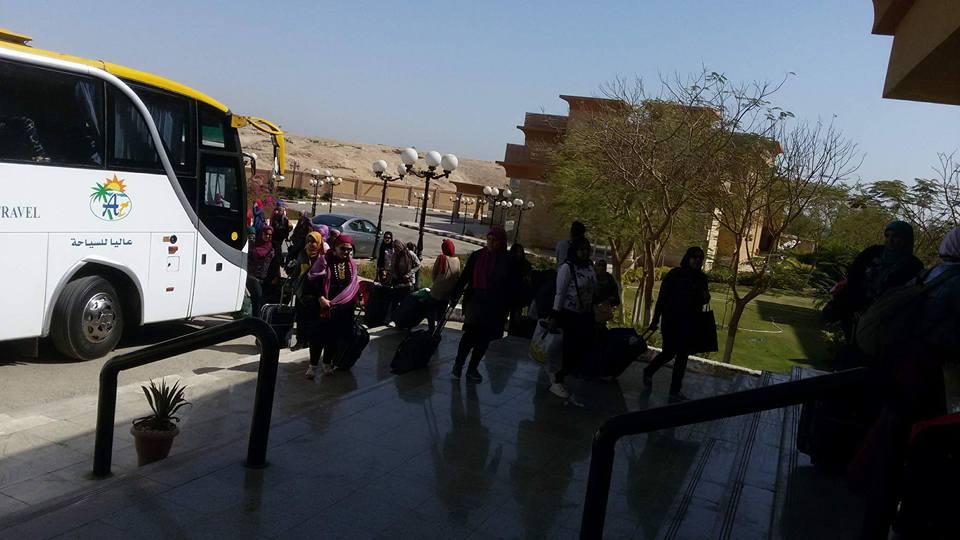 فتيات قطار الشباب يستعدون لرحلات سياحية مميزة بالاقصر