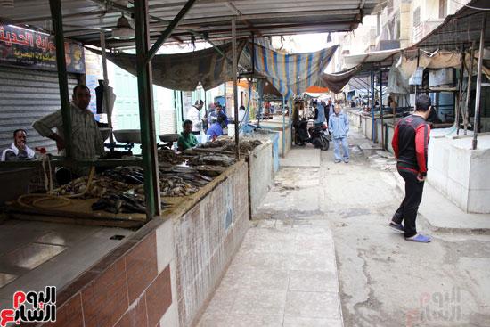 سوق السمك الرئيس  بمدينة الإسماعيلية أغلقت معظم محاله  ل الأسعار