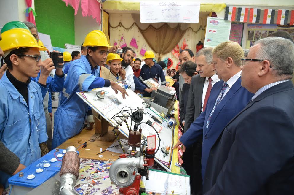 6- بعض مشروعات المدارس الصناعية