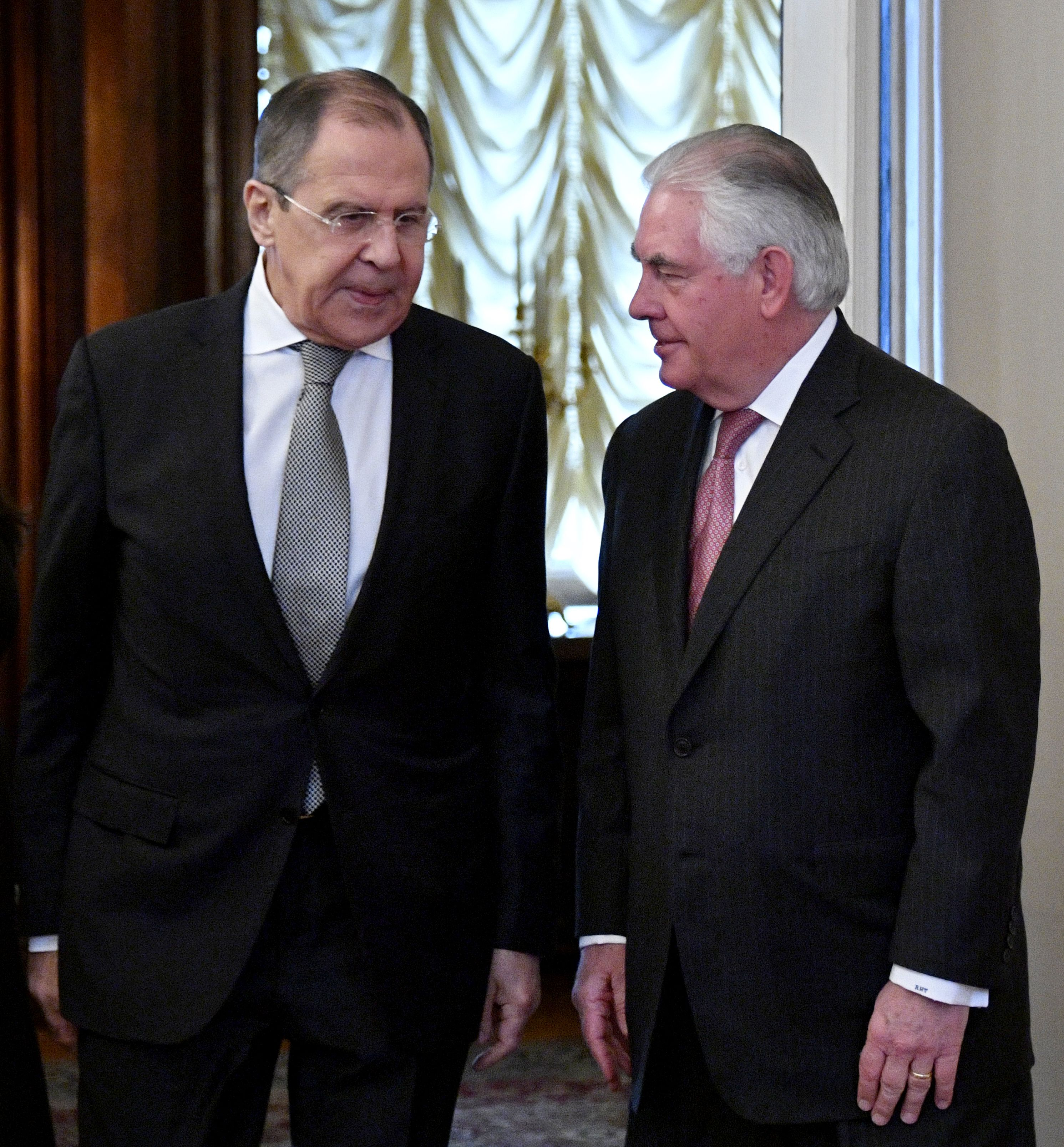 وزيرا خارجية روسيا وأمريكا خلال لقائهما بموسكو