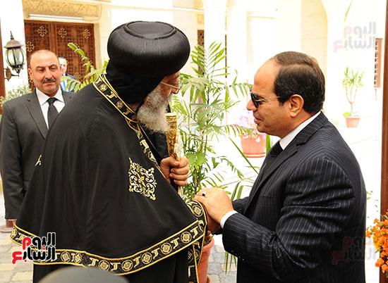 السيسي يزور البابا بالكاتدرائية بالعباسية (1)
