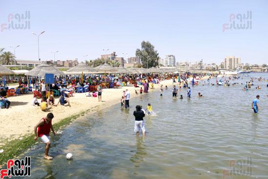 شواطئ الإسماعيلية شهدت إقبالا متوسطا  في  شم النسيم