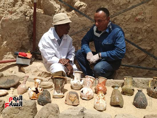 أكثر من 1000 تمثال من الطين المحروق اكتشفت بالمقبرة