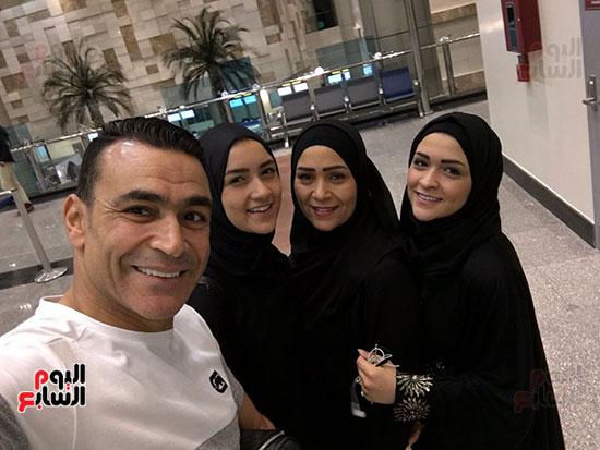 الحضرى مع بناته