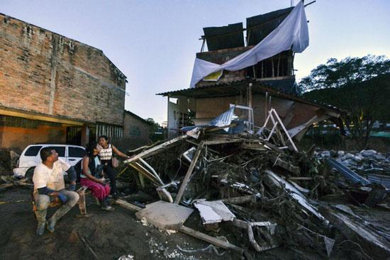 تدمير منزل نتيجة للفيضانات