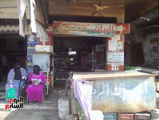 محال الأسماك خالية من الباعة ومن الأسماك بكفر الشيخ
