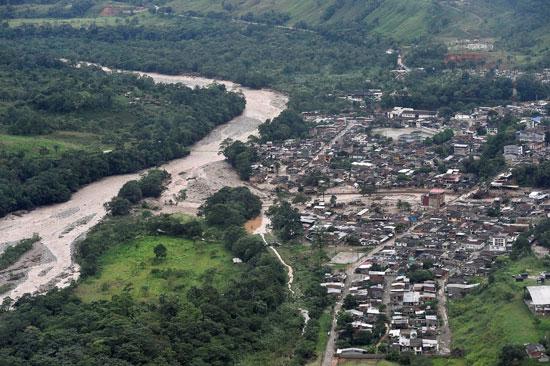 السيول تغمر المنازل فى كولومبيا