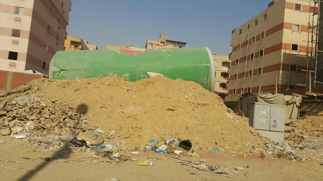 صورة آخرى توضح مخلفات البناء