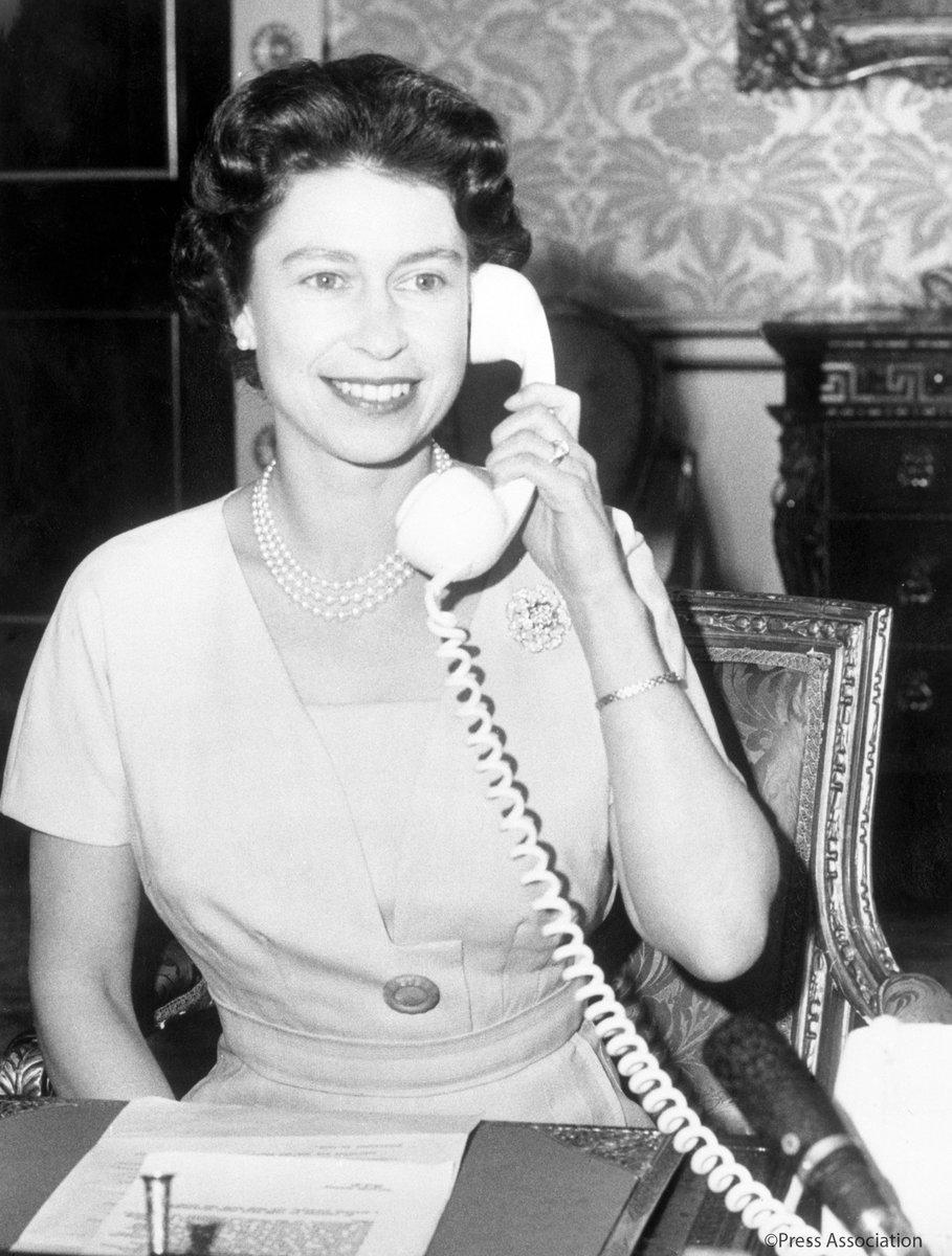 صور نادرة للملكة اليزابيث (4)