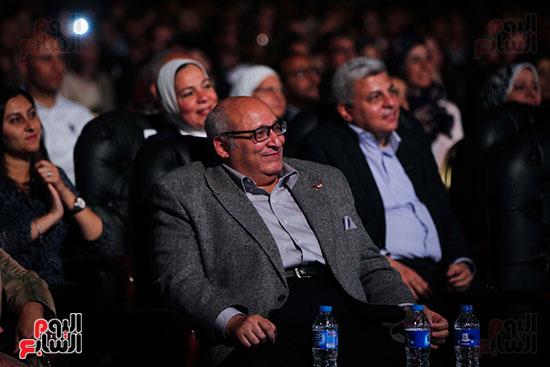 عمر خيرت يعزف أروع مقطوعاته الموسيقية فى حفل جامعة عين شمس (38)