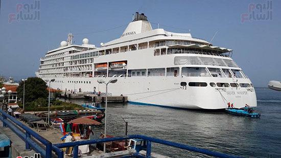 السفينة تصل ميناء بورسعيد