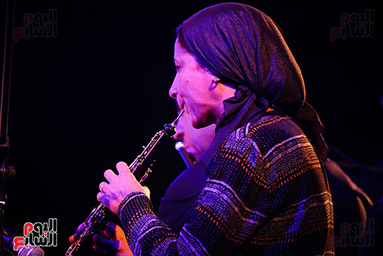 عمر خيرت يعزف أروع مقطوعاته الموسيقية فى حفل جامعة عين شمس (4)