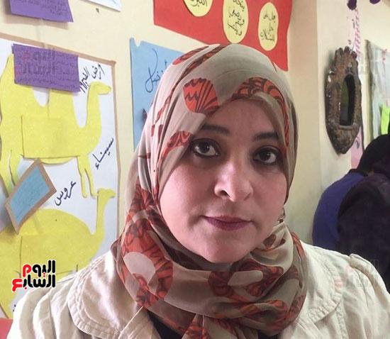 الدكتورة ازهار عبدالمنعم