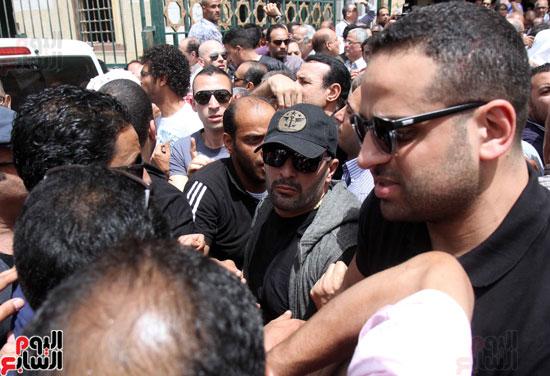 تشييع جثمان والدة المخرجين شريف وعمرو عرفة (9)