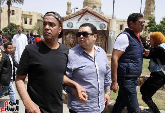 تشييع جثمان والدة المخرجين شريف وعمرو عرفة (12)