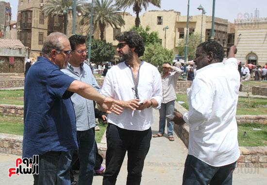 نجوم الفن يشاركون فى تشييع والدة المخرجين شريف وعمرو عرفة (1)