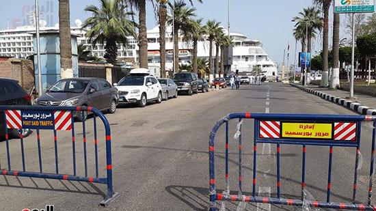 اغلاق الشوارع المؤدية للميناء السياحي