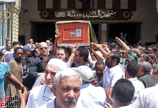 تشييع جثمان والدة المخرجين شريف وعمرو عرفة (3)