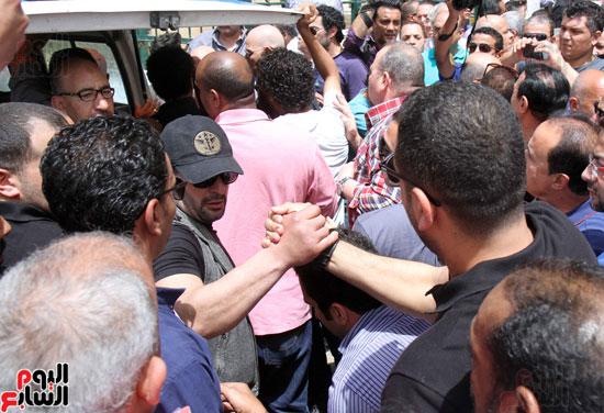 تشييع جثمان والدة المخرجين شريف وعمرو عرفة (7)
