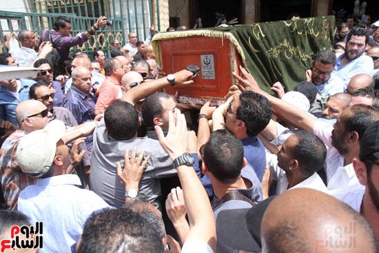 تشييع جثمان والدة المخرجين شريف وعمرو عرفة (5)