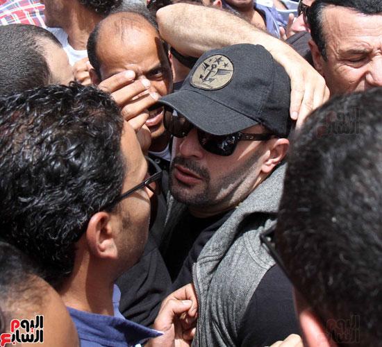 تشييع جثمان والدة المخرجين شريف وعمرو عرفة (8)