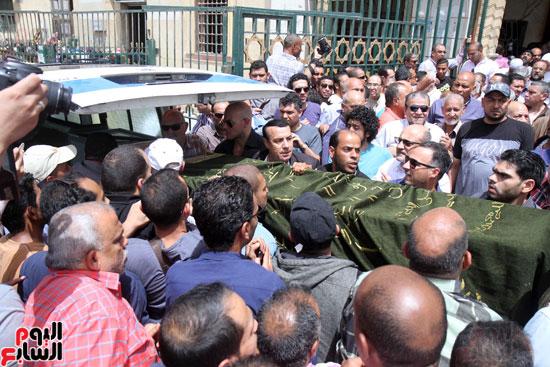 تشييع جثمان والدة المخرجين شريف وعمرو عرفة (6)
