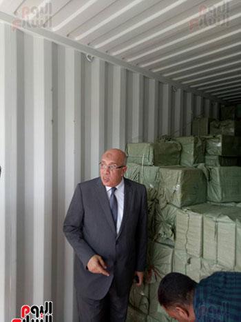 مدير الإدارة العامة لشرطة محور قناة السويس أثناء التفتيش