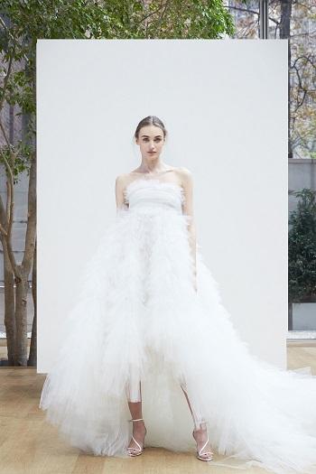 تصميم مميز لفساتين الزفاف