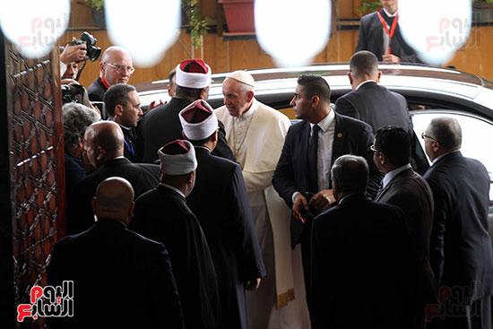 بابا الفاتيكان داخل مشيخه الازهر (4)