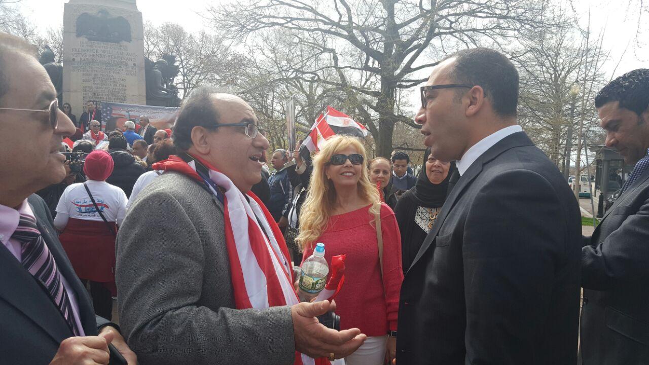 أعضاء الجالية المصرية يتناقشون مع الكاتب الصحفي خالد صلاح رئيس مجلس وإدارة تحرير اليوم السابع