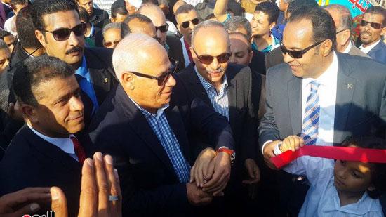 محافظ بورسعيد خلال فعاليات المهرجان