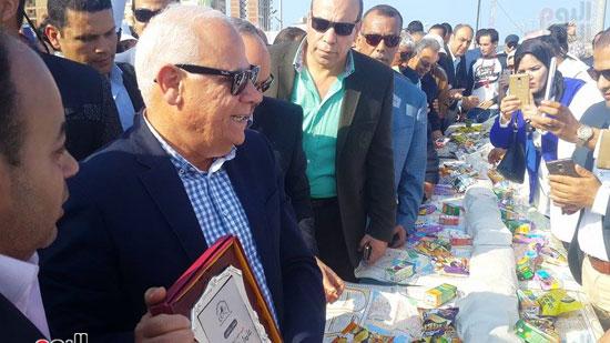 محافظ بورسعيد خلال افتتاح المهرجان