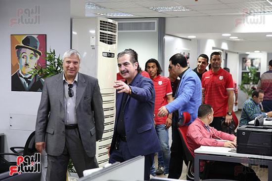 عبد الناصر محمد مدير الكرة بإنبى مع عصام شلتوت مدير التحرير فى اليوم السابع