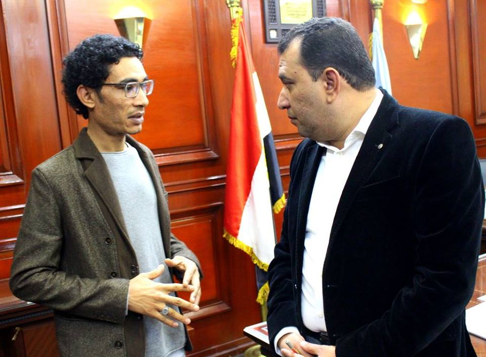 3- محافظ الأقصر في لقاء مع الشاعر الشاب حسن عامر