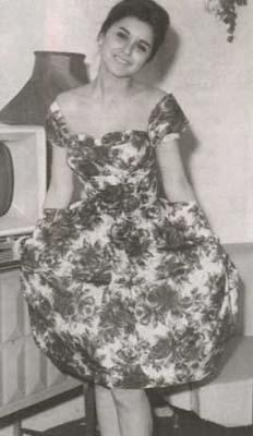 فستان سعاد حسنى الأوف شولدر