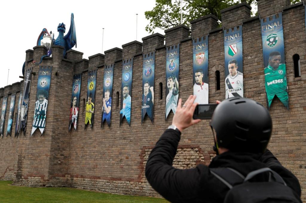 ملعب نهائي دوري أبطال أوروبا في كارديف عاصمة ويلز (15)