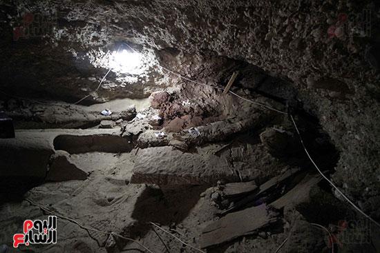 اكتشاف أول مقبرة فى تاريخ مصر الوسطى تضم 18 مومياء بالمنيا (27)