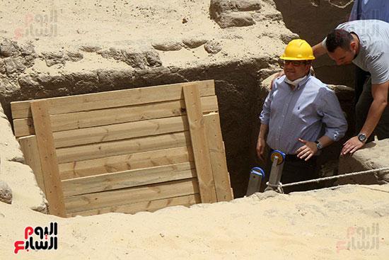 اكتشاف أول مقبرة فى تاريخ مصر الوسطى تضم 18 مومياء بالمنيا (34)