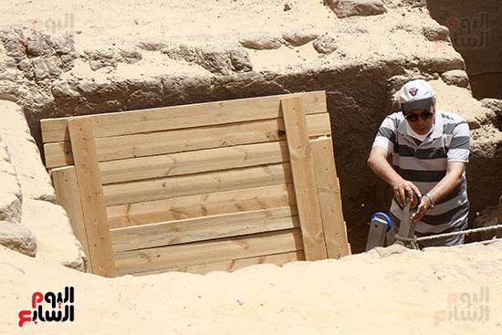 اكتشاف أول مقبرة فى تاريخ مصر الوسطى تضم 18 مومياء بالمنيا (32)