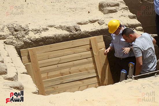 اكتشاف أول مقبرة فى تاريخ مصر الوسطى تضم 18 مومياء بالمنيا (35)