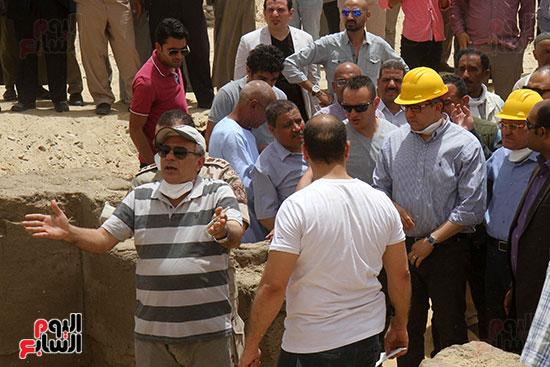 اكتشاف أول مقبرة فى تاريخ مصر الوسطى تضم 18 مومياء بالمنيا (31)