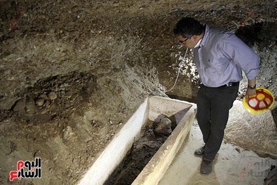 اكتشاف أول مقبرة فى تاريخ مصر الوسطى تضم 18 مومياء بالمنيا (10)