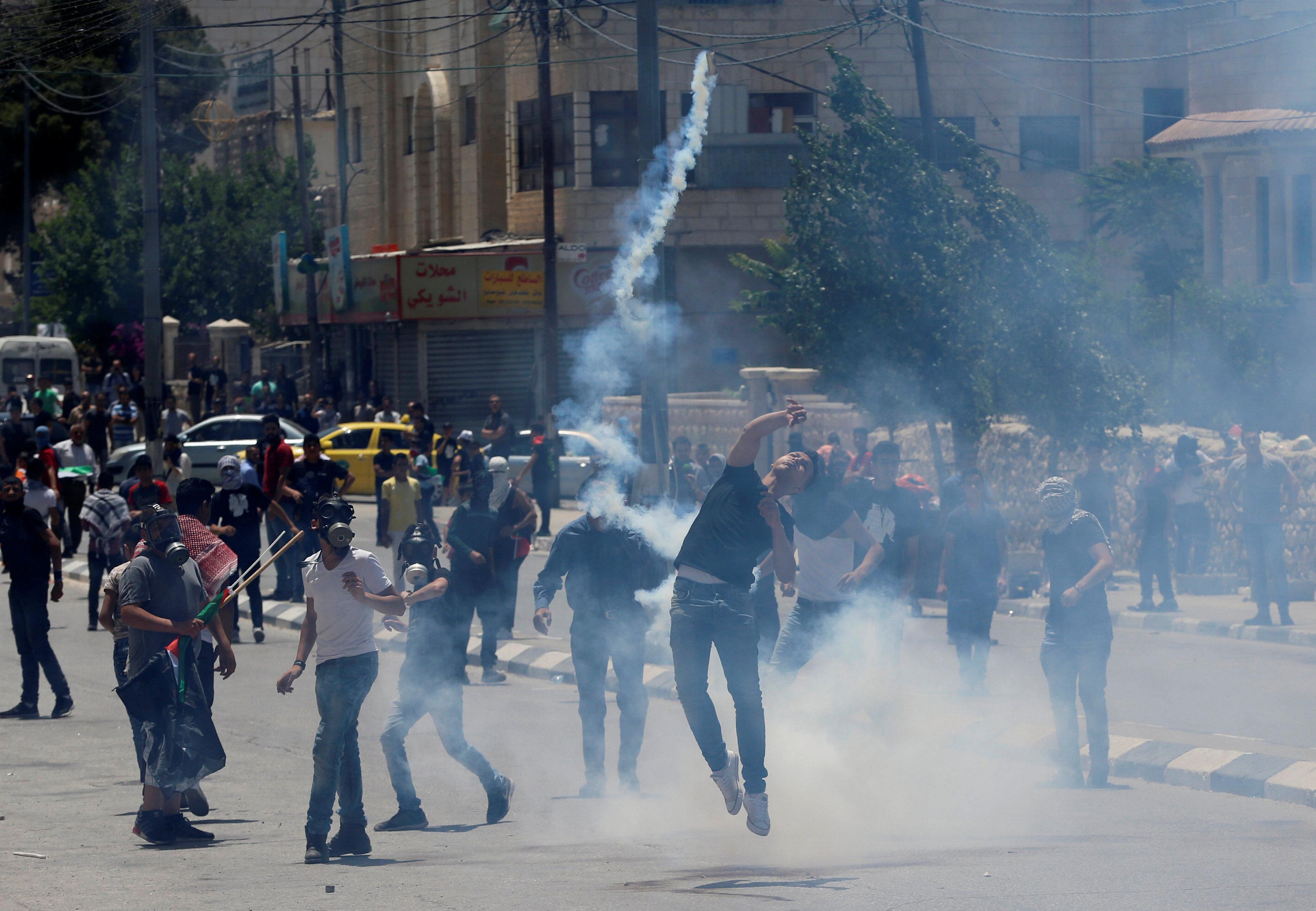 فلسطينيون يحيون ذكرى النكبة